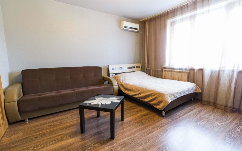 2 комнатная квартира на 78 добровольческой бригады 1